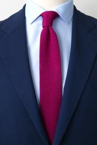 Cravate tricotée en soie prune