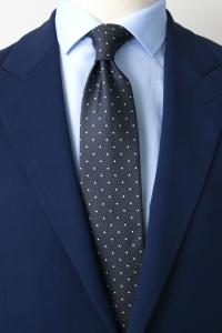 Cravate en soie grise à pois blancs
