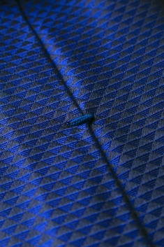 Black/blue printed silk tie