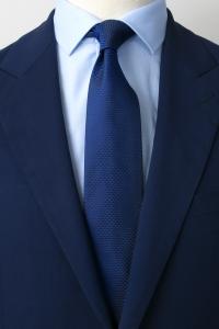 Cravate en soie bleu royal triangle