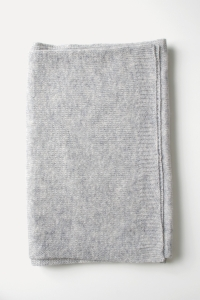 Silver knitted cashmere scarf