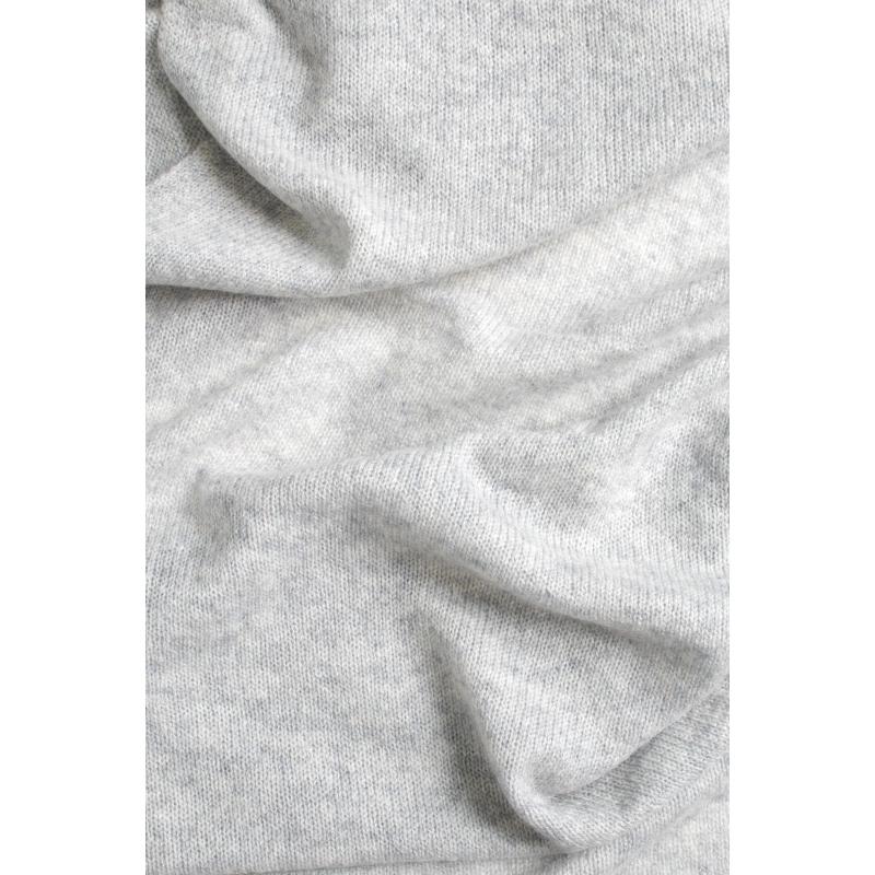 741bc77d75cd Écharpe cachemire tricotée argent  Echarpe cachemire tricotée argent ...