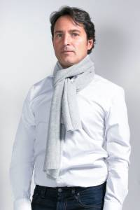 Grey knitted cashmere scarf