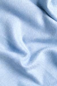 Étole cachemire bleu ciel à franges